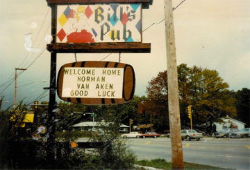 Bill's Pub Sign